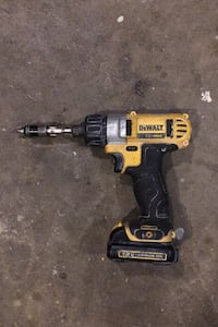 12v MAX Dewalt drill with battery
