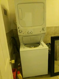 white stackable washer and dryer Detroit, 48201