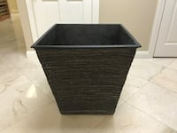 Dark brown rattan planter Tampa, 33606