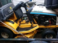 cub cadet 300hrs with bagger needs lil tlc works great $500 obo Des Moines, 50317