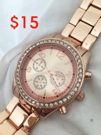 Watch rose gold coloured  Innisfil, L9S 4W9