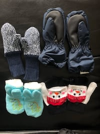 Toddlers assorted gloves from H&M mountain warehouse Mississauga, L5B 0G6