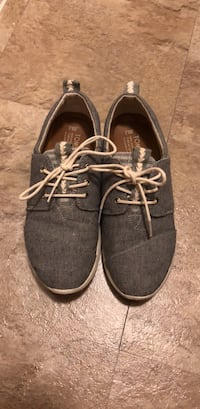 Toms grey/blue sneakers! 8.5 womens Washington, 20037