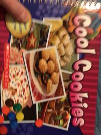 New Scholastic Cool Cookies Cookbook & 7 cookie cutters Columbia, 21045