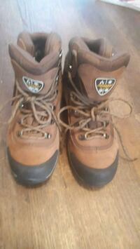 Just use 1 time very good condition and quality and strong size 8 Hamilton, L8W 1E7