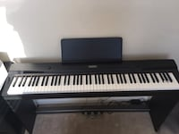 Electronic keyboard with stand ( read details ) 32 km