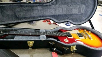 Epiphone Series 100 w/ Hard Case