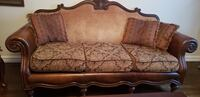 Living room set including sofa, arm chair and a table  Newmarket, L3X
