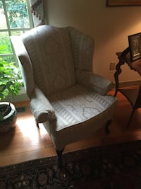 Chair, wingback with Queen Anne feet. Nearly new! Hagerstown, 21740