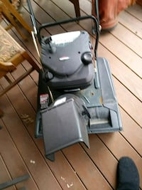 """Craftsman 21"""" 4-cycle snow thrower Manchester, 03109"""