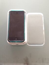 iPhone 5c with case and original packaging Toronto, M1W 3X4