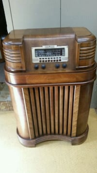 Vintage radio and electronic equipment repairs and restoration.