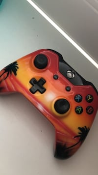 Xbox One custom controller *ILL TRADE FOR AN ELGATO* Fonthill, L0S 1E4