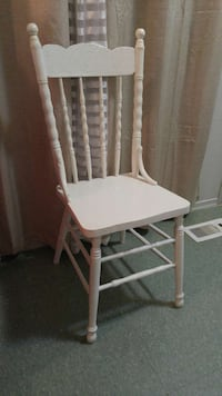 white wooden windsor armless chair