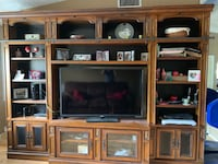 Entertainment center with lights Coral Springs, 33065