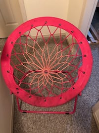 Pink bungee chair for sale Langford, V9B 6Y1