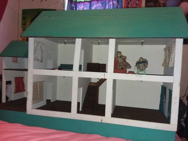 Antique Wooden Doll House Early 1900s