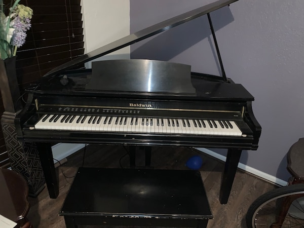 Digital Baby Grand Piano >> Used Baldwin Dg100 Digital Baby Grand Piano With Bench In Great
