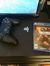 Sony PS4 PRO 1TB console with controller  Fredericksburg, 22401