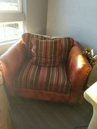 Large Accent Chair  Oxon Hill, 20745