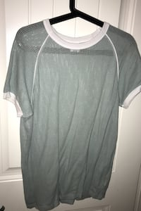 Oversized mesh tee size small