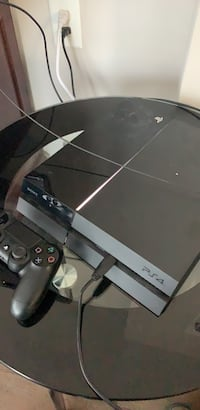Sony PS4 console with controller Suitland, 20746