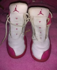 pair of white-and-red Air Jordan shoes Mobile, 36693