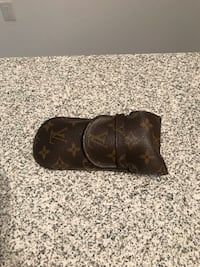 AUTHENTIC Louis Vuitton lunettes case Toronto, M6A 3E7