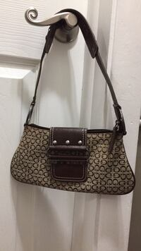 Cute brown and tan guess purse Youngstown, 44514