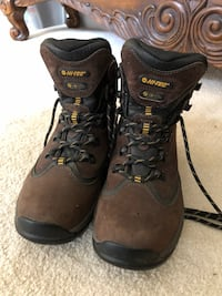 Like New Hi-Tec Women's Hiking Boots Size 8 35 km