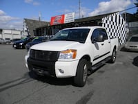 2012 Nissan Titan SL 4X4!! Leather! FINANCE AVAILABLE! Surrey