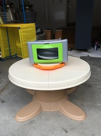 Kids play cook top table   New York, 10308