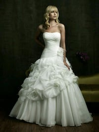 women's white strapless wedding gown size 24 Burke, 22015