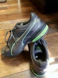 Puma youth shoes - size 6C Swansea, 02777