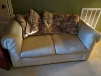 Matching couch and loveseat  Fayetteville, 28304