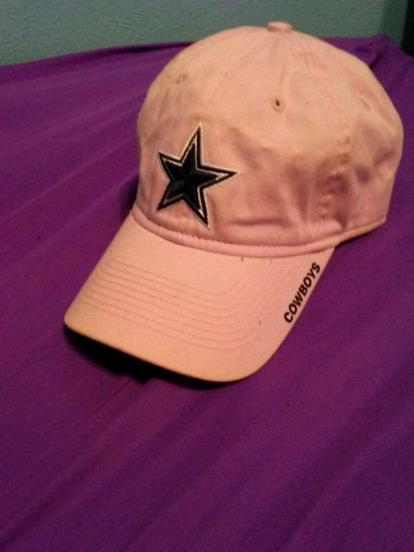 74d5fdc3ef0c6 Used PinkCowboys hat with tag for sale in Irving - letgo