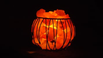 Basket Lamp, which Himalayan salt chips. 14-18 lbs