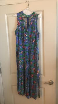 one piece wide leg  size large  Emeryville, 94608