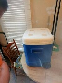 white and blue plastic container Evansville, 47714