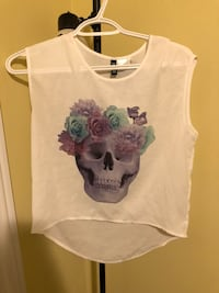 white and blue floral scoop-neck sleeveless top Vaughan, L4H 0E4