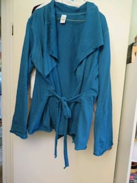 Lovely XL Peacock cardigan in New condition P/U Stony Plain