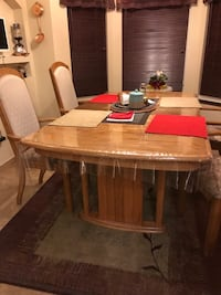 Wood Dining Table W/4 chairs ALBUQUERQUE