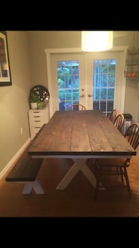Dining table hand made 5 year warranty  3734 km