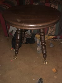 Black and brown wooden tablewith eagle claw and crystal ball feet Keedysville, 21756