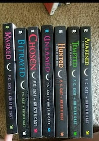 House of night novels 1-6 and 8. Missing 7