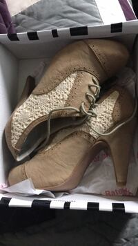 Cream heeled oxfords with lace detail Odenton, 21113