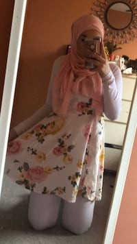 Women's white and pink floral dress 721 km