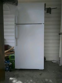 white top-mount refrigerator Hurst, 76053