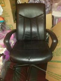 black  office rolling armchair District Heights, 20747