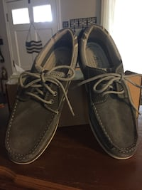 Pair of gray leather boat shoes new Robstown, 78380